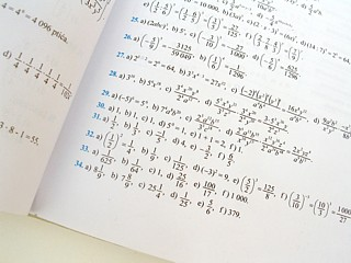 472004_13905538-math-book