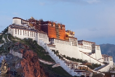 The Potala Palace, photo by Coolmanjackey. Click thumbnail for a larger image.