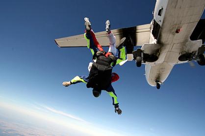 Skydiving by Piotr Dorabiala)